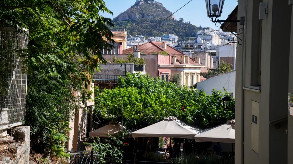 Καιρός: Καλοκαιράκι θα θυμίζει το Σαββατοκύριακο με 31 βαθμούς στην Αθήνα – Χάρτες με τις θερμοκρασίες