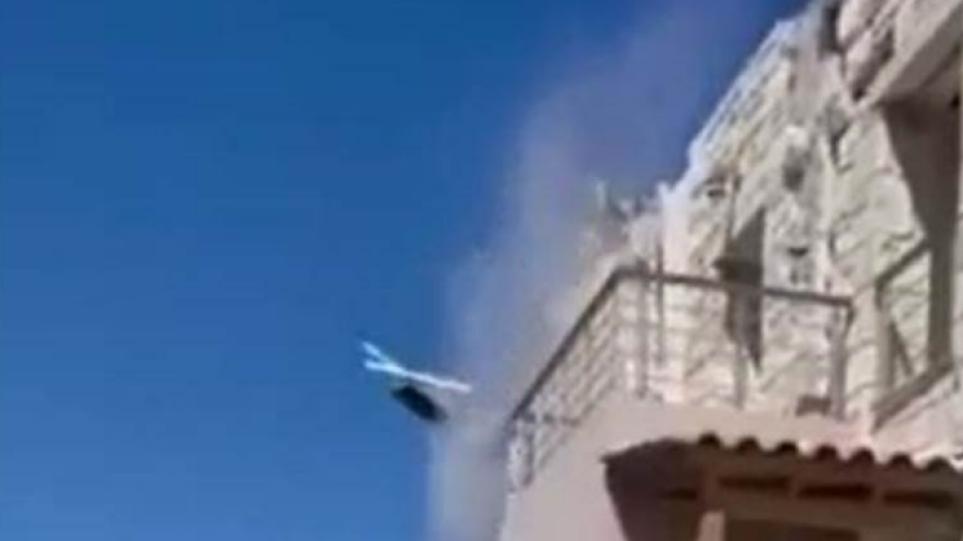 Σεισμός στην Κρήτη: Καρέ – καρέ η πτώση σκεπής από σπίτι στο Αρχοντικό