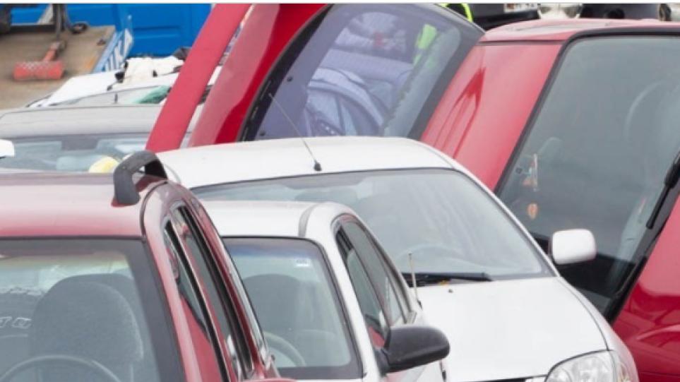 Καραμπόλα επτά οχημάτων στην Εθνική Οδό Θεσσαλονίκης – Μουδανιών