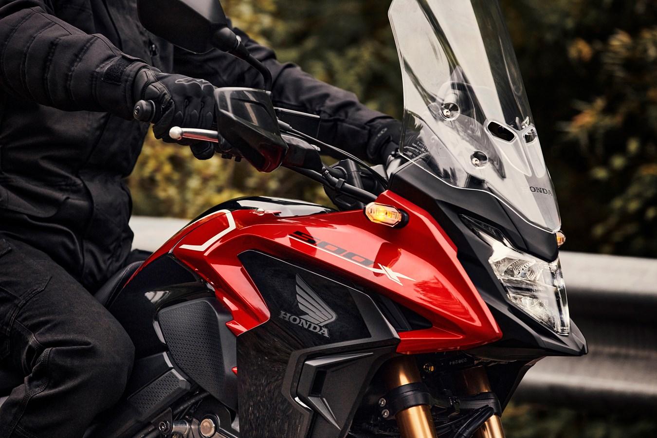 Honda:  Η νέα CB500X MY22 έρχεται!