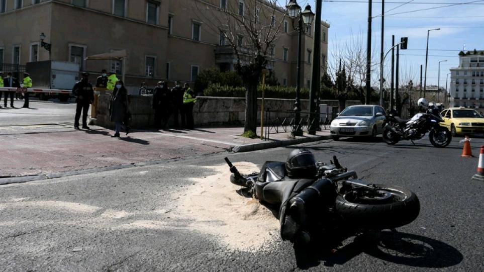 Δίωξη για ανθρωποκτονία εξ αμελείας στον αστυνομικό για το τροχαίο με τον Ιάσονα έξω από τη Βουλή