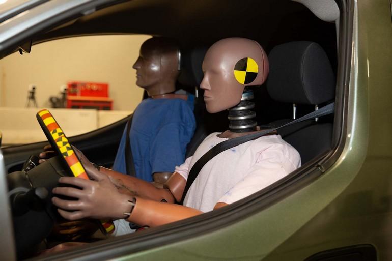 Η Nissan επενδύει στην αύξηση της παθητικής και ενεργητικής ασφάλειας