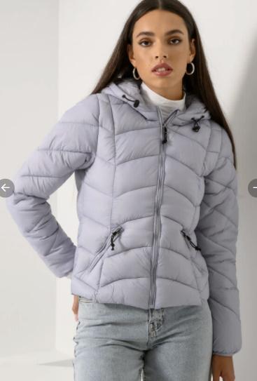 Έπιασε κρύο! 10 jackets που θα σε κρατήσουν ζεστή και στυλάτη όλη την ημέρα
