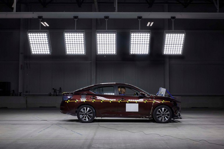 Ποιες είναι οι νέες επενδύσεις της Nissan για την αύξηση της παθητικής και ενεργητικής ασφάλειας