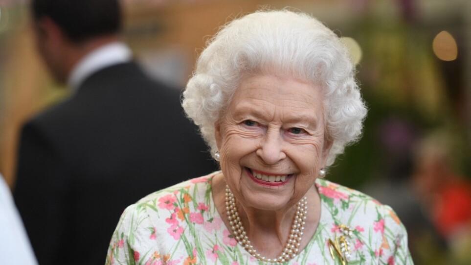 Βασίλισσα Ελισάβετ: Δεν πήγε στην εκκλησία το σαββατοκύριακο μετά τις συμβουλές γιατρών για ξεκούραση