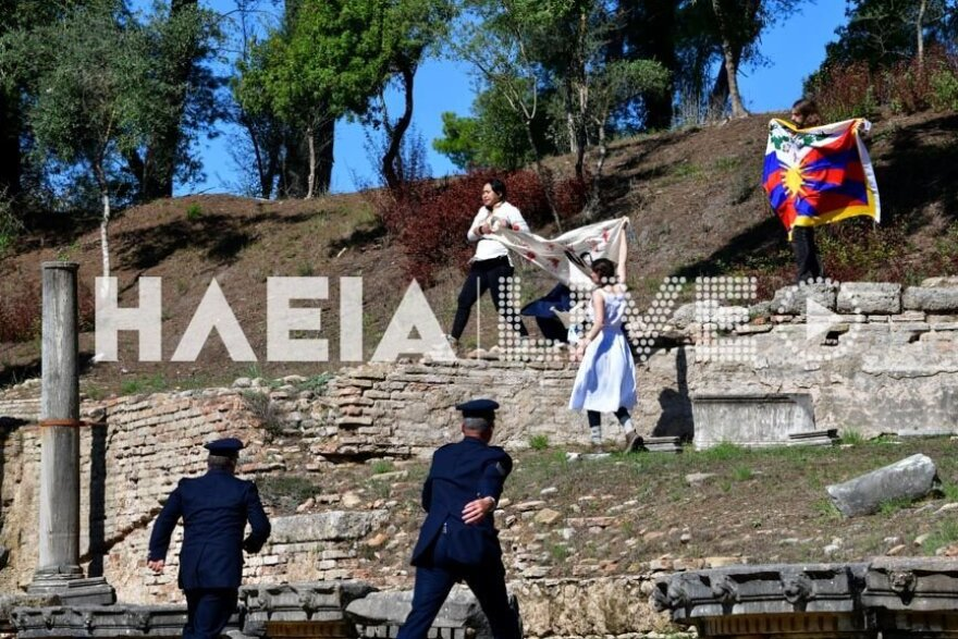 Θιβετιανοί αυτονομιστές μπήκαν στο ναό της Ήρας κατά τηναφή της Ολυμπιακής Φλόγας