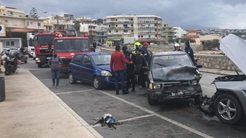 Τροχαίο στην Κρήτη: Καραμπόλα έξι οχήματων στον Περιφερειακό του Ρεθύμνου