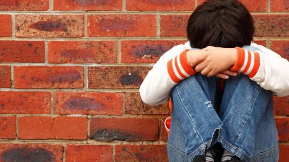 """""""Νταήδες"""" εκβίαζαν 13χρονο στον Γαλατά: Απειλούσαν την οικογένειά του και του έπαιρναν λεφτά"""