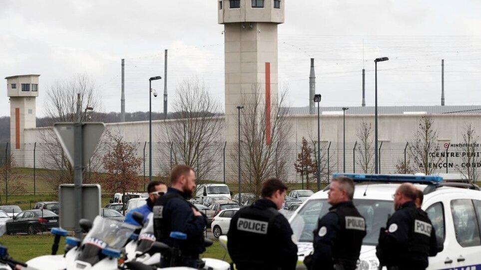 Ταραχή σε φυλακές υψίστης ασφαλείας στη Γαλλία: Βαρυποινίτης κρατά όμηρο σωφρονιστικό υπάλληλο