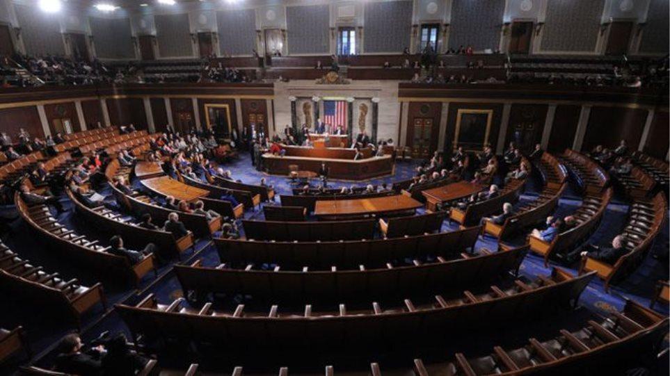 Πυρά από πολιτικούς των ΗΠΑ κατά του Facebook: «Αδιαφορεί για την ασφάλεια των χρηστών»
