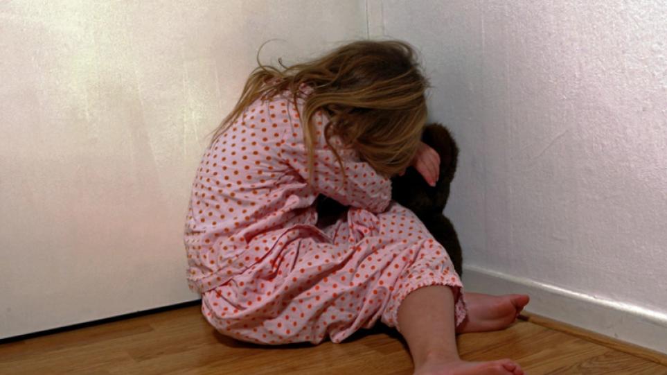 Βιασμός 8χρονης στη Ρόδο: «Η μητέρα μου έπαιρνε ουσίες, μεγάλωσα σε ορφανοτροφείο», λέει η 24χρονη κόρη της δράστριας