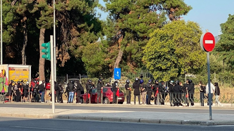 Συγκέντρωση αντιεξουσιαστών στη Σταυρούπολη – Επί ποδός η ΕΛ.ΑΣ.