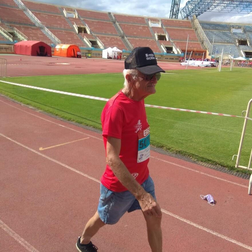 Ηράκλειο: 84χρονος δρομέας έτρεξε στο Run Greece και έκανε 5 χιλιόμετρα σε 50 λεπτά