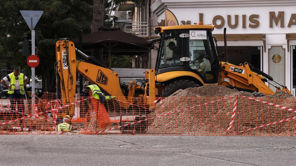 Χαλάνδρι: Κυκλοφοριακές ρυθμίσεις στην οδό Παπανικολή μετά την καθίζηση οδοστρώματος – Πώς θα διεξάγεται η κυκλοφορία